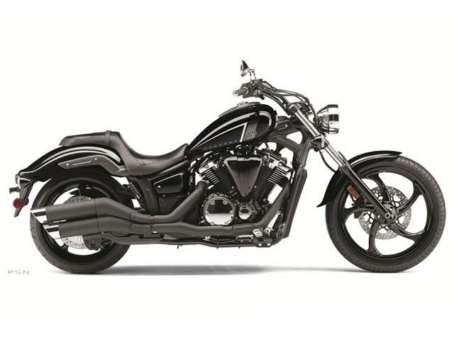 1300cc Liquid Cooled V-Twin. Forward Controls.  Tough Looking Sport Cruiser!!
