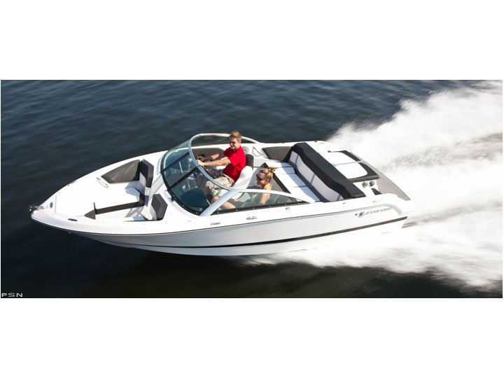 THE ELEGANT FOURWINNS 180 POWERED BY A 4.3L 190 HP V6. THIS IS A GREAT BOAT FOR THOSE EVING CRUISES AROUND THE LAKE WITH THE FRIENDS BUT IT ALSO IS GREAT FOR THE KIDS ON SATURDAY WHEN THEY WANT TO WATERSKI AND DO SOME CRAZY WATERSPORTS.
