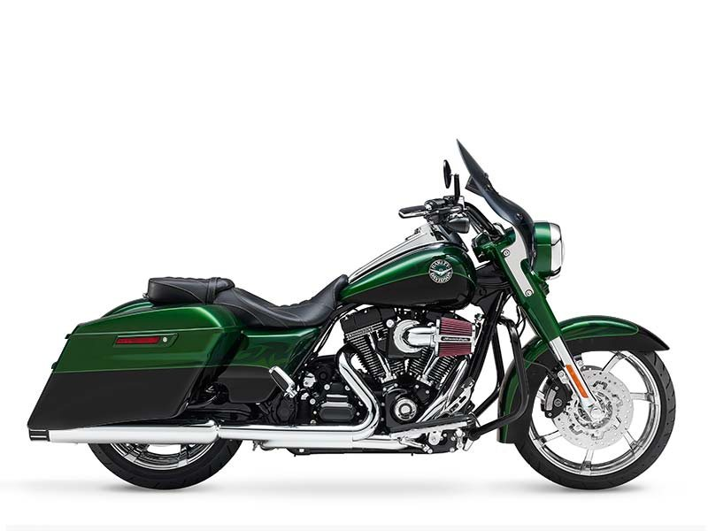 Don't wait - this beautiful CVO Screamin' Eagle Road King won't last!!!!!