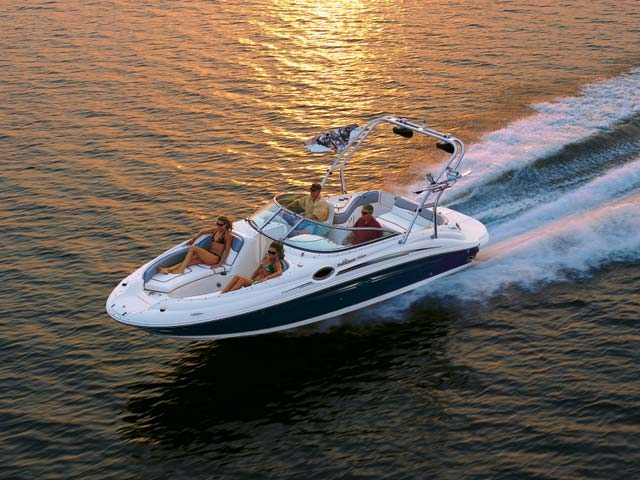 2008 Sea Ray 240 Sundeck�