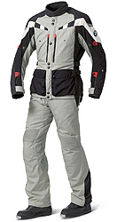 The GS Dry Suit provides comfort and protection against the elements for both on-road and enduro riding.  It features a unique ventilation system with a Z-liner construction, providing a direct flow of air to the upper body, and incorporates the latest NP2