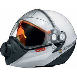 BV2S fog-resistant mask system with unparalleled adjustment capabilities to adapt to all facesIntegrated backlightDual lens visor featuring enhanced 180 peripheral visionAdjustable sunshieldFront push-button releaseDetachable breathing maskQui