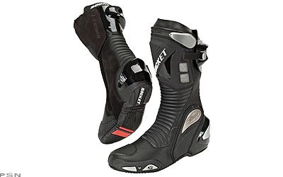 Waterproof and breathable, the Sonic R boots bring you unsurpassed all season protection and comfort in a all leatherchassis. Weve even thrown in a few race inspired features like an integrated toe slider, internal reinforcements, and a low profile toe-