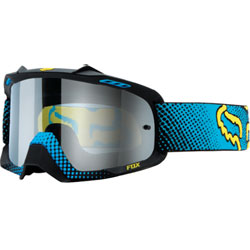 Smart venting system Increased peripheral viewing 19mm triple layer face foam 8-pin lens retention system keeps lens intact Lexan lens offers 100% UV protection 45mm non-slip silicone strap Removable rock guard  By increasing air volume ins