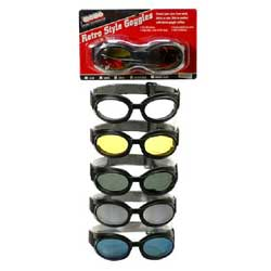 Protects your eyes from wind and rainAnti-scratch hard coatingFlexible frameFoam padded eyeportsSide ventilationAdjustable, wide stretch strap