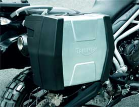 Fully weatherproof injection moulded construction. Single key lock mechanism can be matched to ignition. Supplied with mounting hardware. Dynamic mounting ensures stability even under extreme conditions. 62 liter capacity with room for a full face helmet i