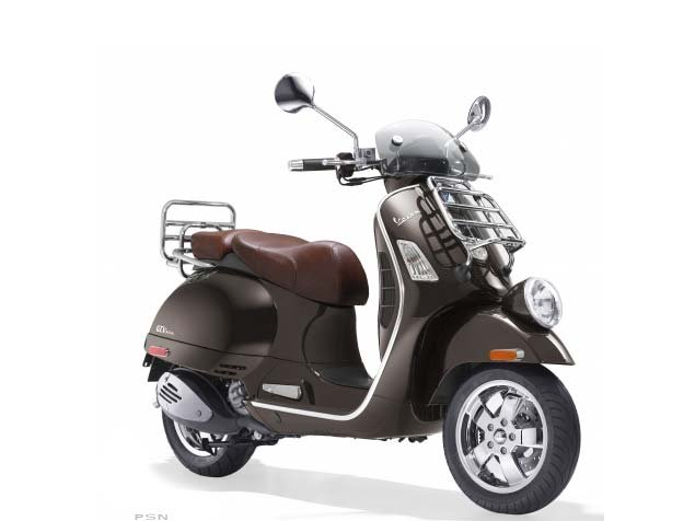 The Vespa GTV's styling pays homage to the distinctive vintage look of classic Vespas of the 50's