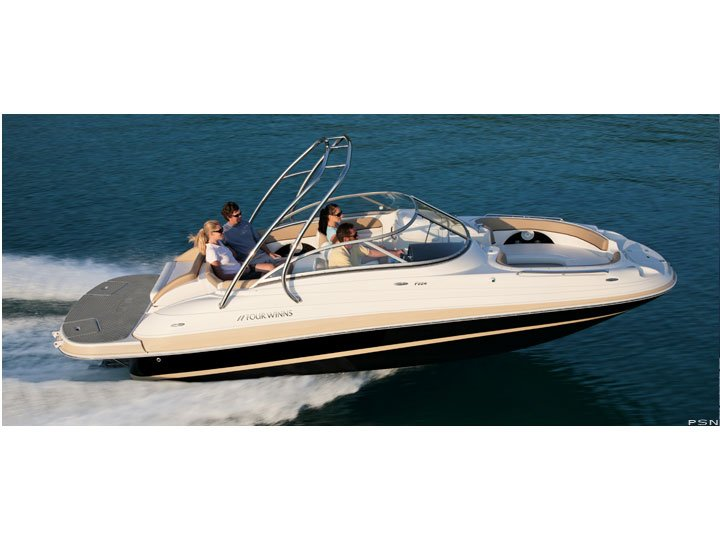 THE CADILLAC IN FIBERGLASS DECK BOATS. THIS IS AN AMAZING FAMILY MOVER