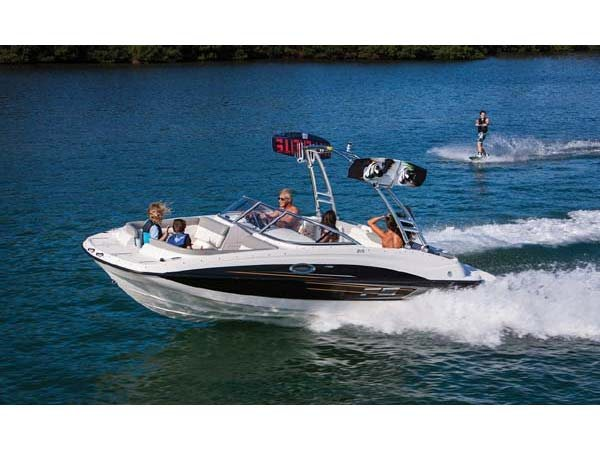 2014 Bayliner 215 Deck
