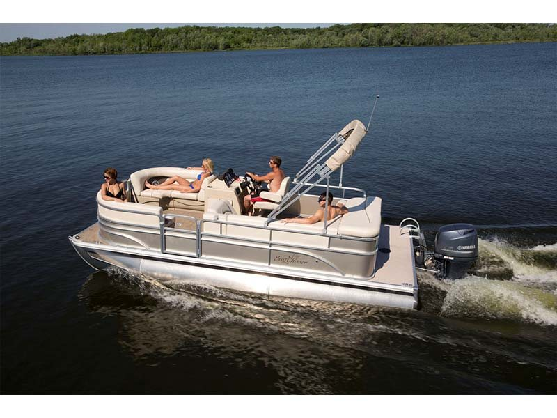 Maximized seating! Priced to sell with a 90hp Mercury Engine!