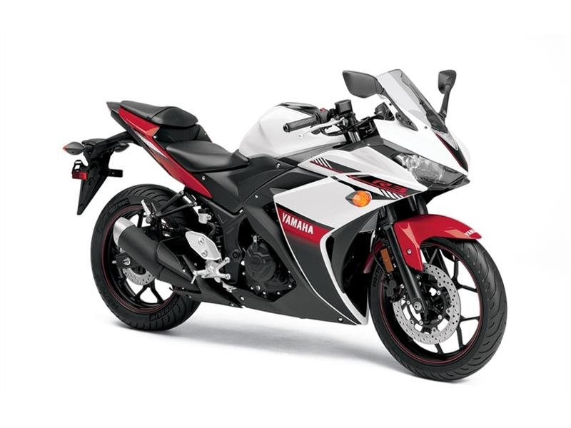 2016 YZF-R3 Intensity White / Rapid Red