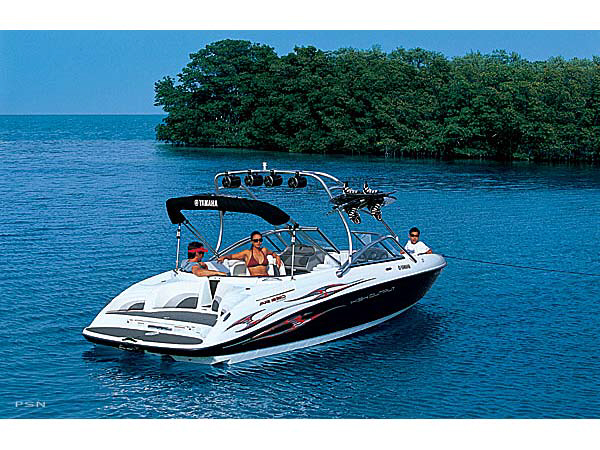 Pre-owned boat meticulously maintained. Service record available.Reliable Four Stroke engines. 320 Horsepower!