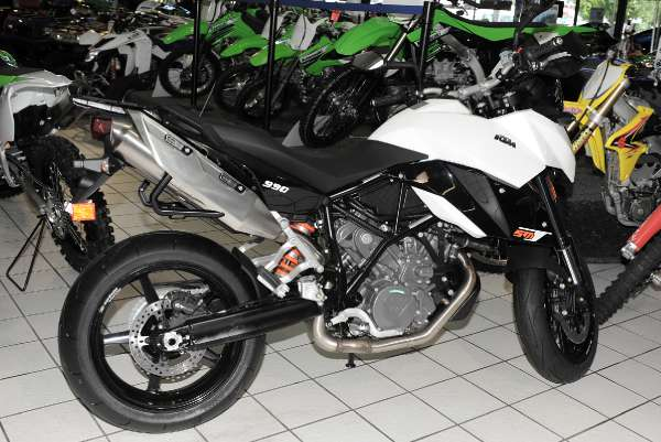 2012 990 Supermoto T