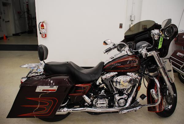 Harley-Davidson FLHRS/FLHRSI Road King Custom 2005
