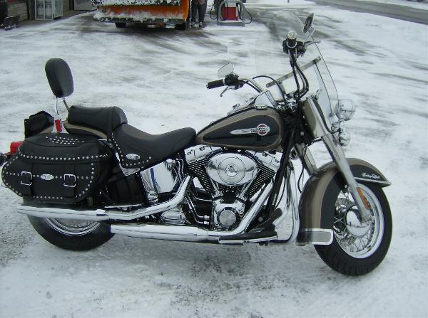 2004 Harley-Davidson FLSTC/FLSTCI Heritage Softail� Classic