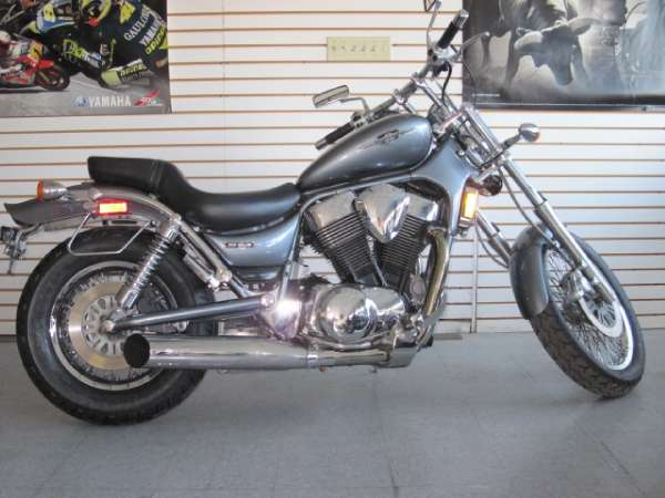 2005 Suzuki Boulevard S83
